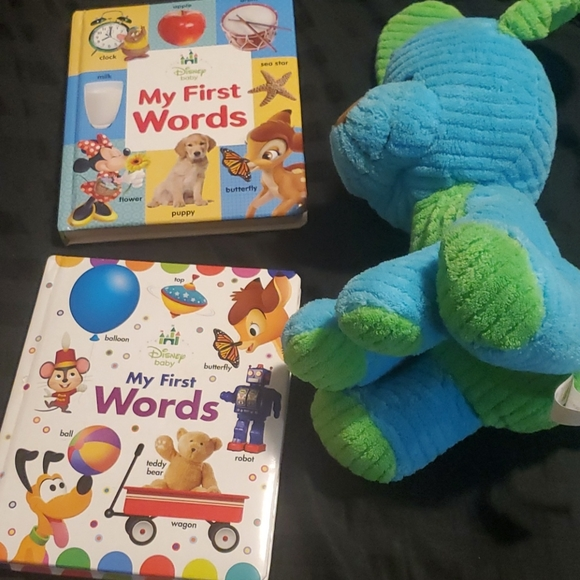 2 Disney Baby Books with Puppy 🐶